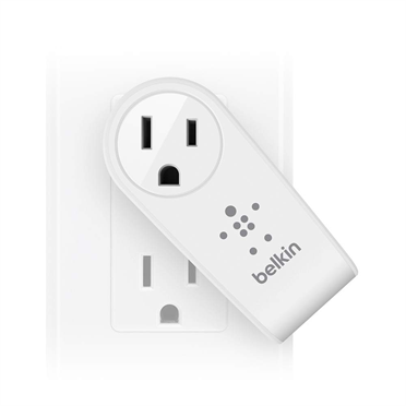 Belkin BOOST↑UP™ 2-Port Swivel Charger + Outlet